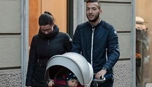 Omar el Kaddouri e famiglia shopping e pranzo a Milano